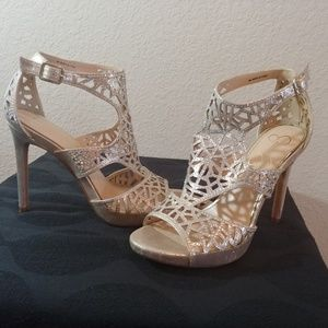 Jessica Simpson Romani Platform Sandal
